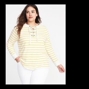 🎉Host Pick🎉Yellow striped sweatshirt